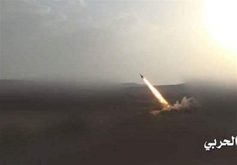 شلیک 3 موشک زلزال به مواضع مزدوران عربستان در یمن